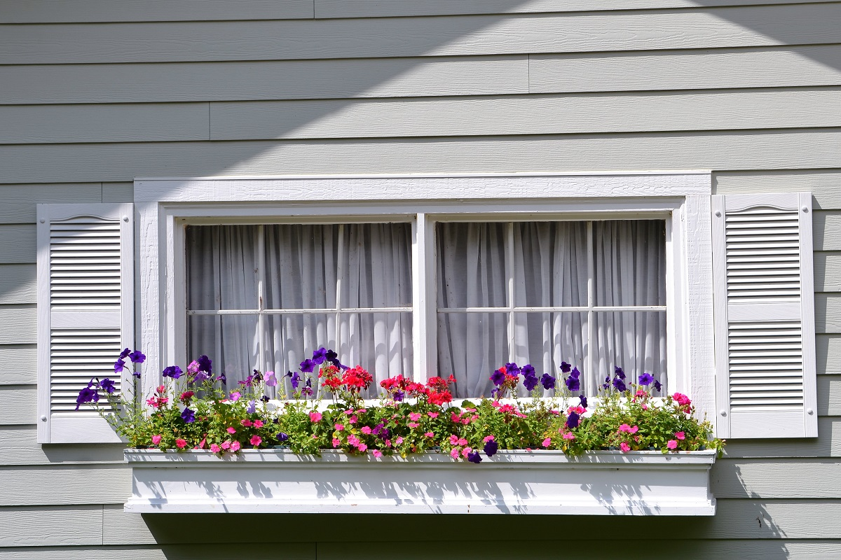 3 Curb Appeal Projects for Spring
